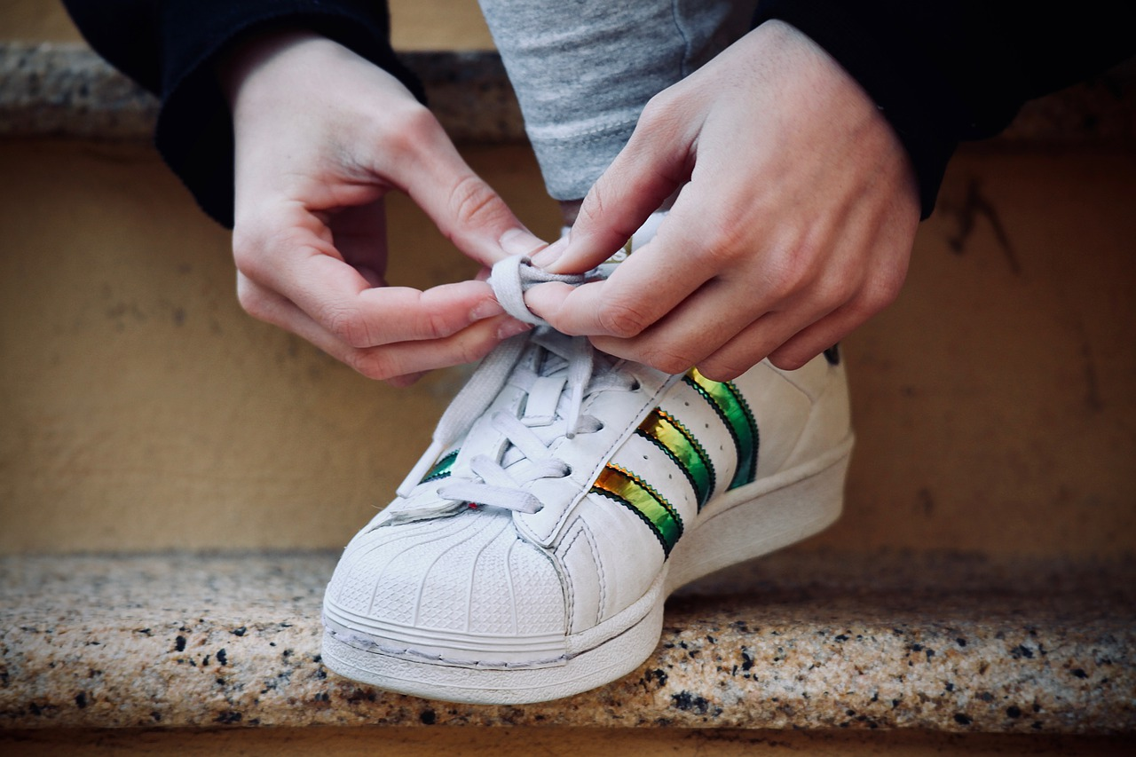 stringhe per scarpe storia