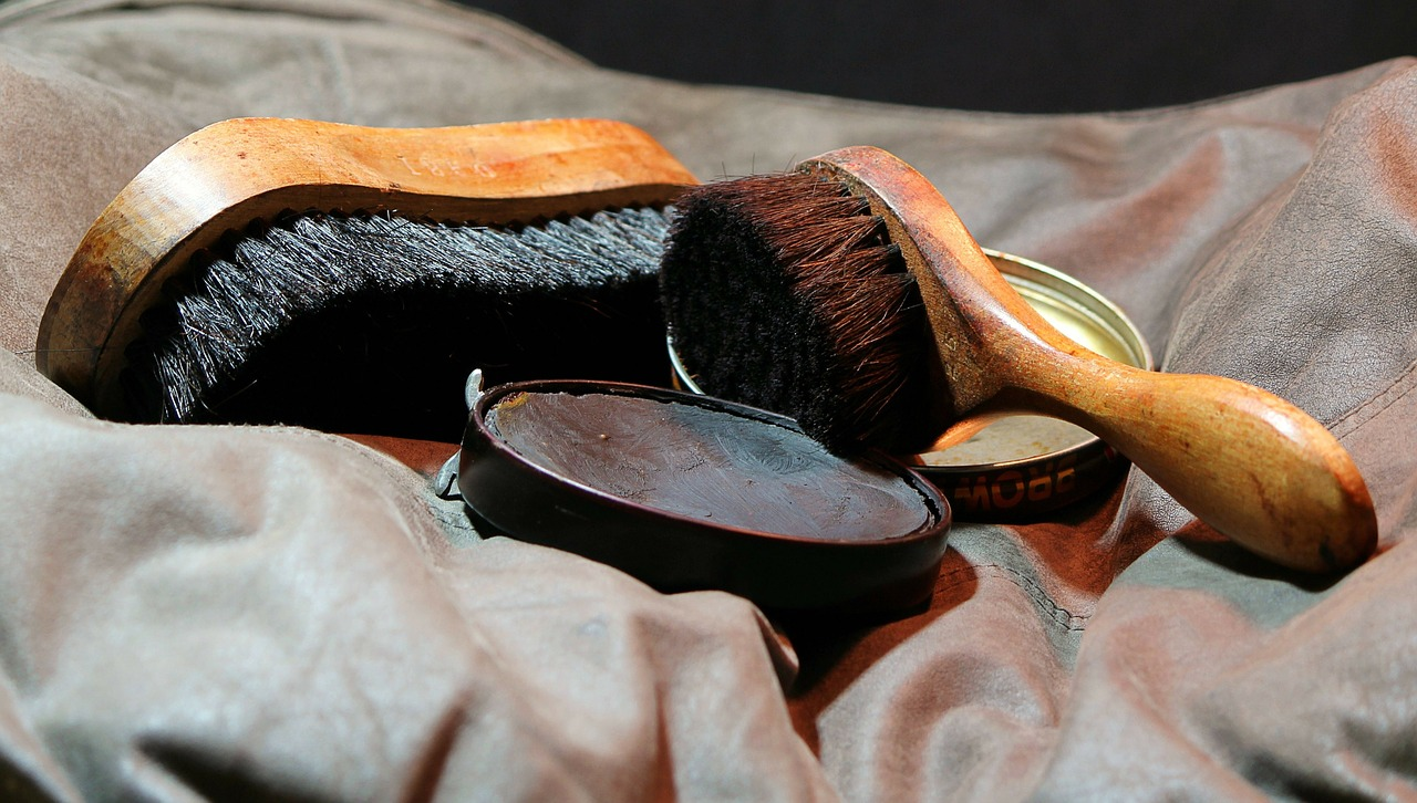 pulire le scarpe in pelle